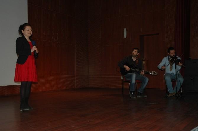 Erzurum'da Yılın Hekimleri Ödüllerini Aldı