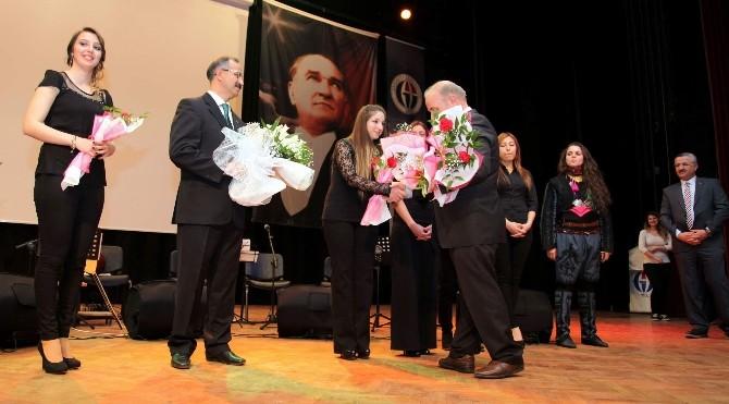 Türkülerde Hanımeli Konseri Büyüledi