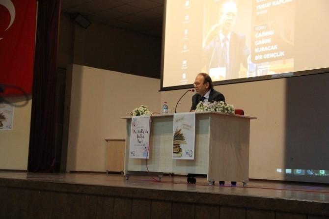 """SAÜ'de """"Çağrısı Çağını Kuracak Bir Gençlik"""" İsimli Konferans Düzenlendi"""