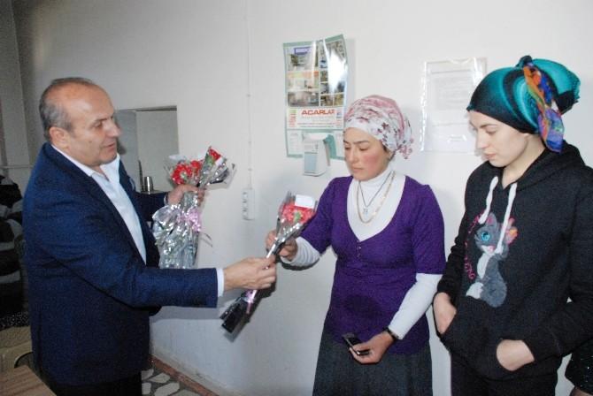 Arslan, 8 Mart'ta Fabrikalarda Çalışan Bayanları Ziyaret Etti