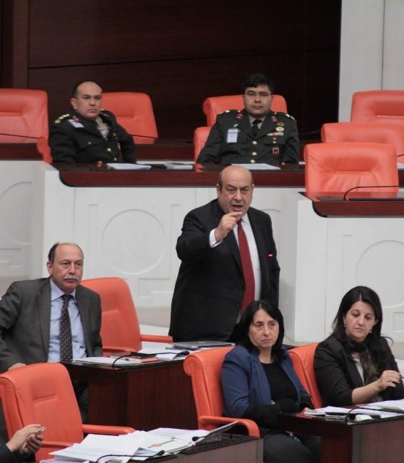 Muhalefetten Meclis Çalışma Saatlerine Tepki