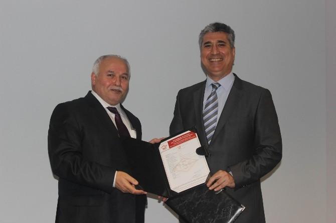 TSE Genel Sekreteri Karagöz, Kayseri'deki Bir Fabrikaya Çift Yıldızlı Kalite Belgelerini Verdi