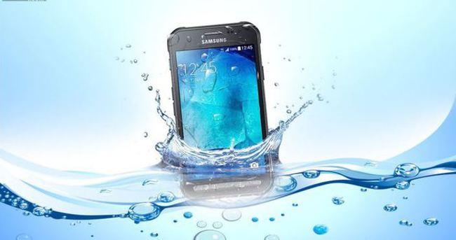 Samsung'tan taş gibi telefon: