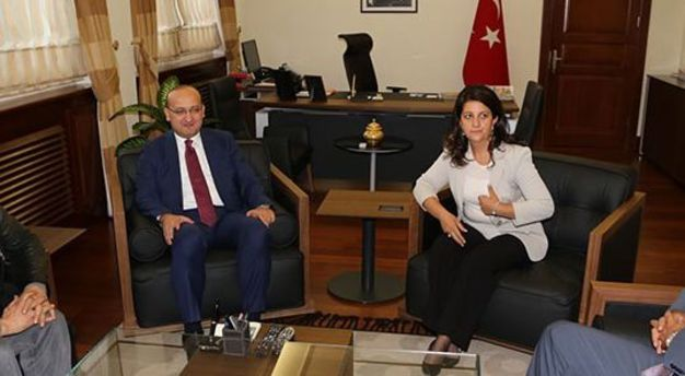 Akdoğan Meclis'te Buldan ile görüştü