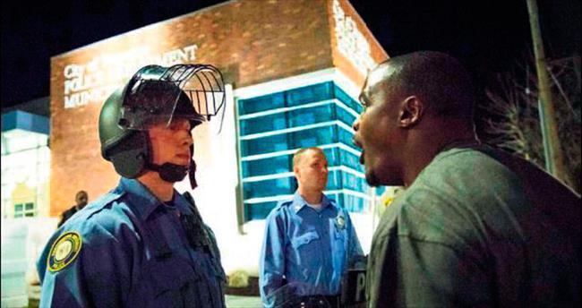 ABD'de bu kez polis hedefte