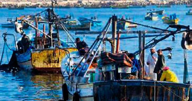 AB, İzlanda'da balık ağına takıldı