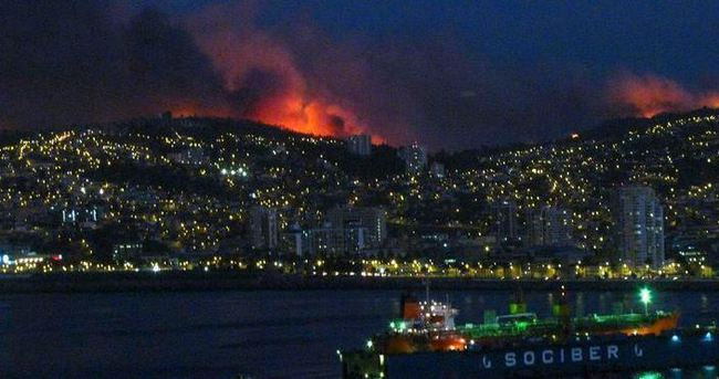 Şili'de korkutan yangın: 4 bin kişi tahliye edildi