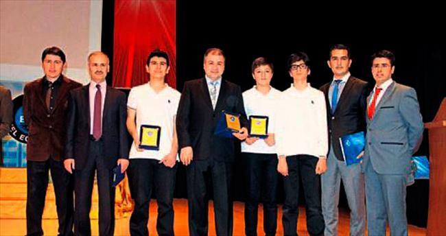 Matematiğin şampiyonları Bornova'da yetişiyor
