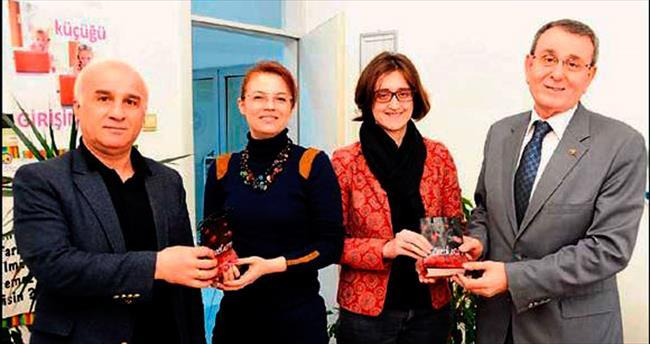 Murzioğlu'ndan kadın personele nazarlık