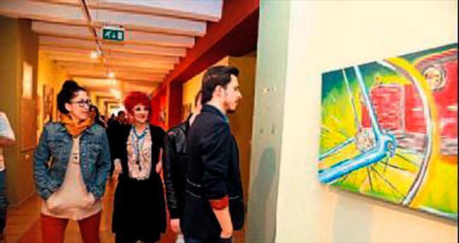 SDÜ öğrencileri resim sergisi açtı