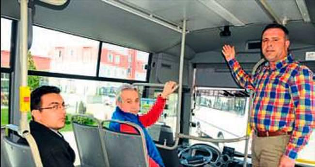 Otobüste biri sizi gözetliyor