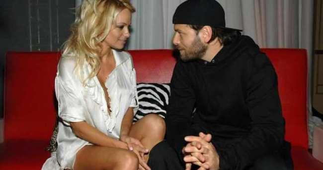Pamela Anderson boşanma sebebini açıkladı