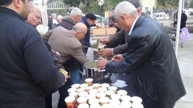 Çanakkale Zaferi'nin 100'üncü Yılında Vatandaşlar Sabah Namazında Şehitler İçin Dua Etti.