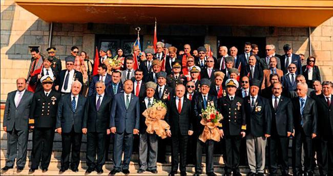 Mersin'de Atatürk coşkusu yaşandı