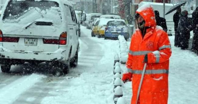 Bolu'da kar kalınlığı 7 cm'ye ulaştı
