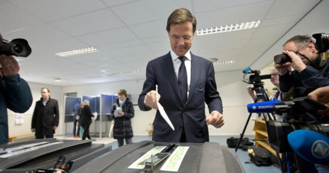 Hollanda'da iktidara seçim şoku