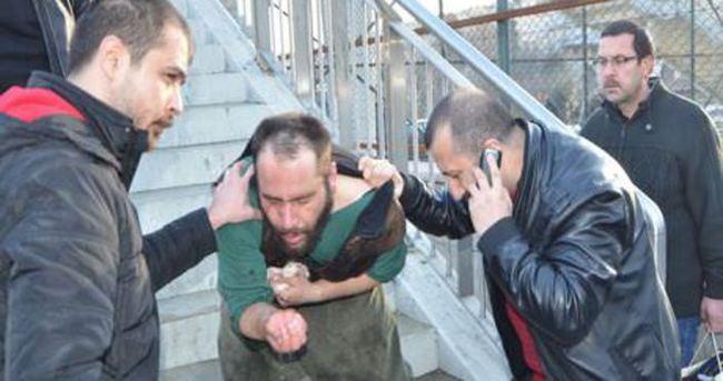 IŞİD'ci sanılan gence dayak