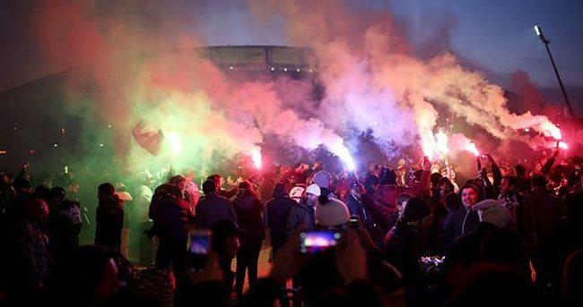 Beşiktaş Brugge maçı öncesi 112. yılını kutladı