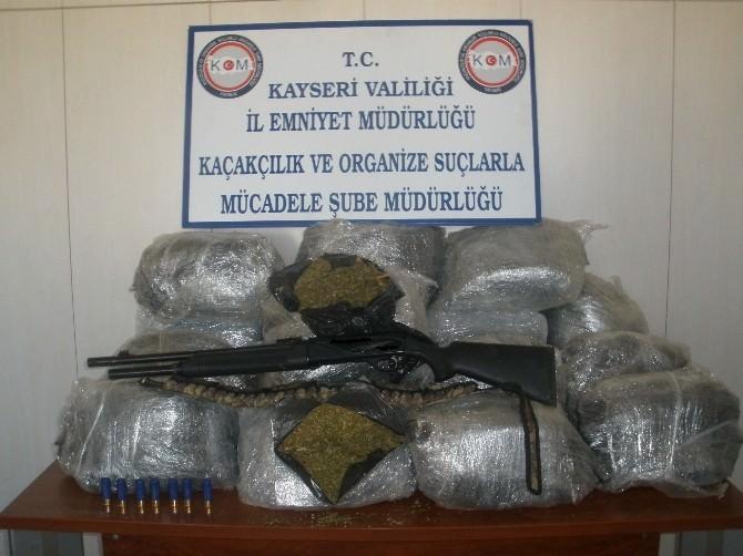 Polis 49 Kilo Uyuştucuru Ele Geçirdi