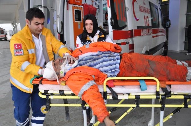 Yol Kenarında Çalışan İşçilere Otomobil Çarptı: 1 Ölü, 2 Yaralı