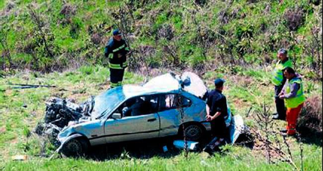 Aracı devrilen polis hayatını kaybetti