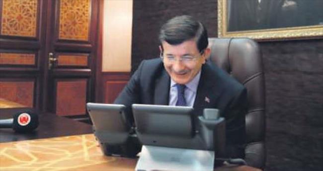 Davutoğlu, PKK'dan ayrılan genci düğün töreninde aradı