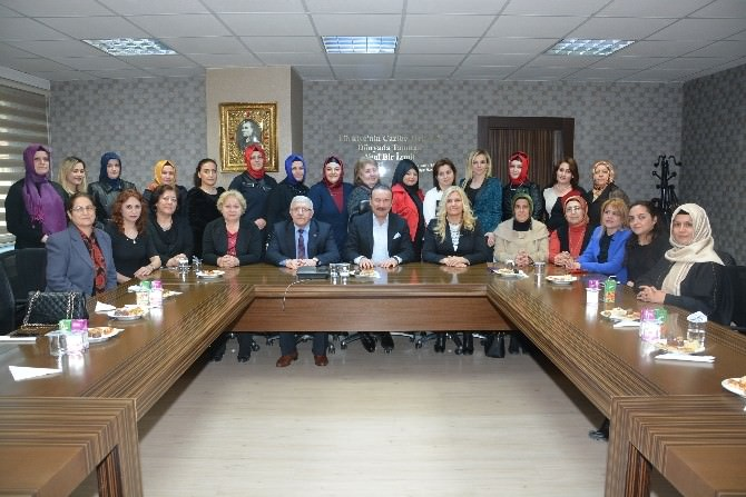 Başkan Doğan, AK Kadınları Misafir Etti