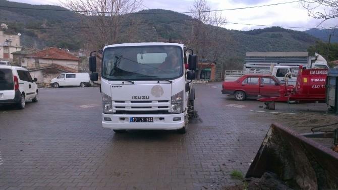 Edremit'te Kırsal Mahallelerde Temizlik Harekatı
