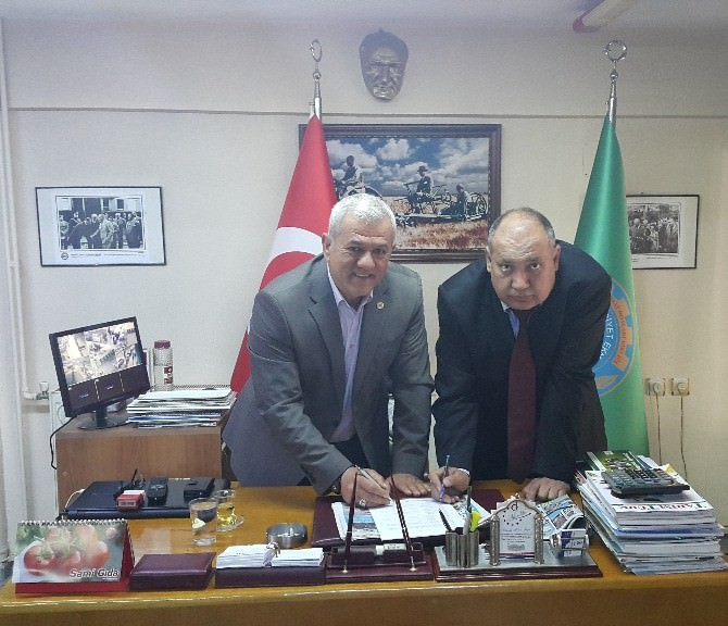 Alaşehir Ziraat Odası'na Vakıfbank Desteği