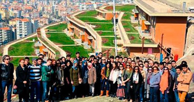 Genç mimarlar Asma Bahçeler'de
