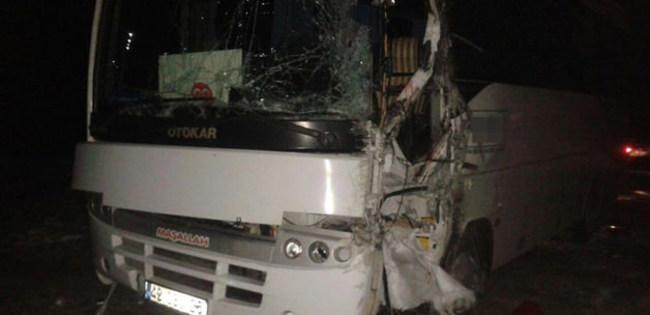 MHP'liler kongre yolunda kaza yaptı! Ölü ve yaralılar var