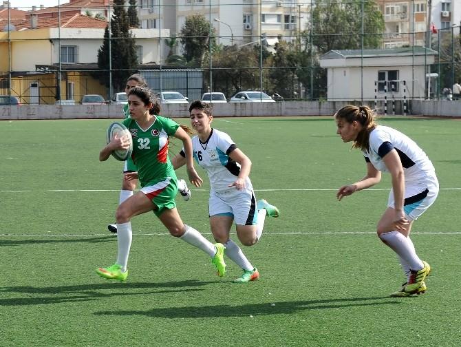 Karşıyaka'da İlk Kez Ragbi Turnuvası