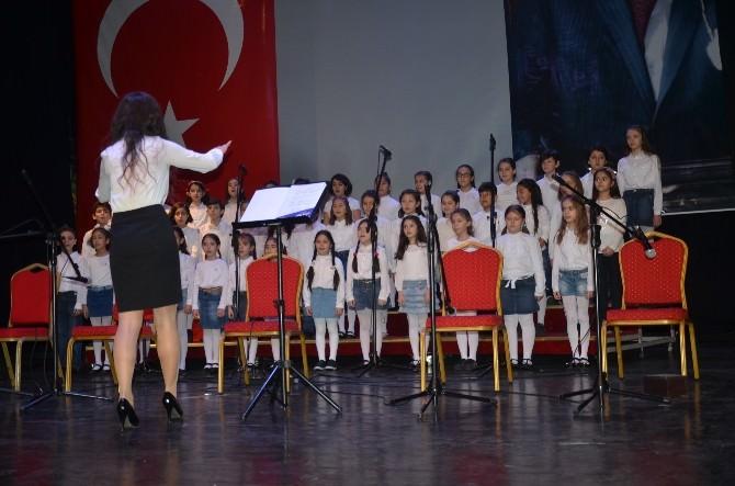 Çocuklar Nevruz'u Şarkılarla Kutladı