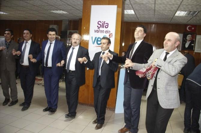Hakkari'de Halaylı Tıp Bayramı Kutlaması