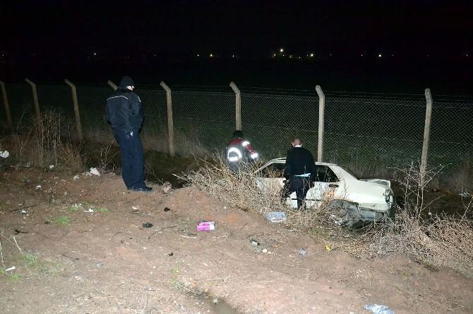 Otomobil Yoldan Çıktı: 3 Yaralı