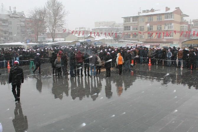 Niğde'de Kar Altında Bahar Bayramı