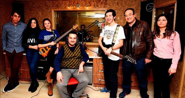 Liseli müzisyenlerden albüm