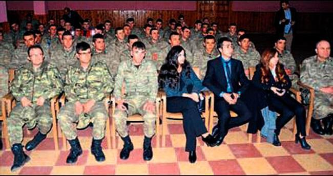 Askerlere evlilik eğitimi verildi