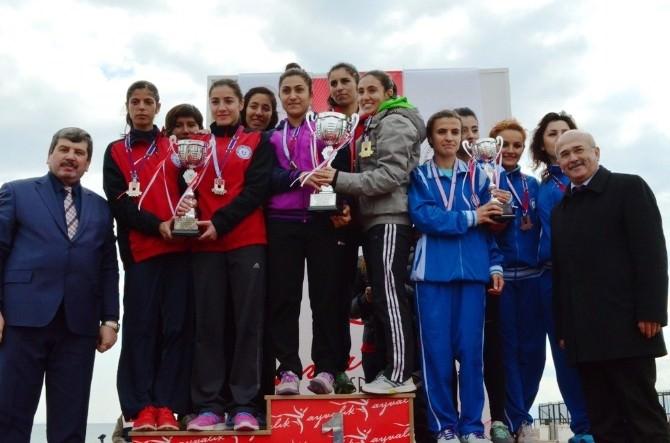 Türkiye Üniversiteler Arası Kros Şampiyonası Ayvalık'ta Yapıldı