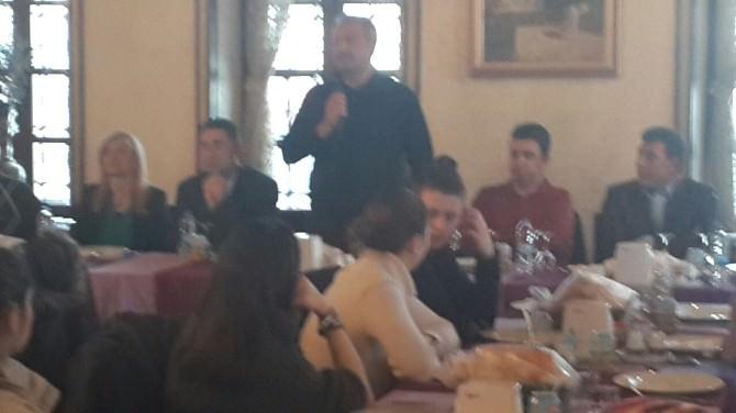 Şampiyon Olan Buzun Sultanlarını Büyükşehir Belediyesi Yemekte Ağırladı