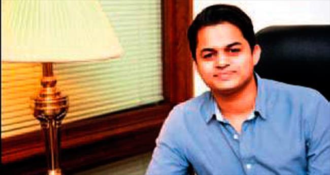 21 yaşında Pakistan'ın internet lideri oldu