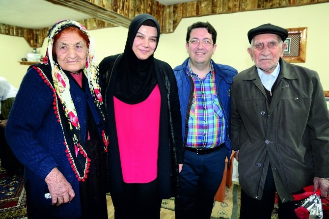 Başkan Yazgı'dan Huzur Evine Ziyaret