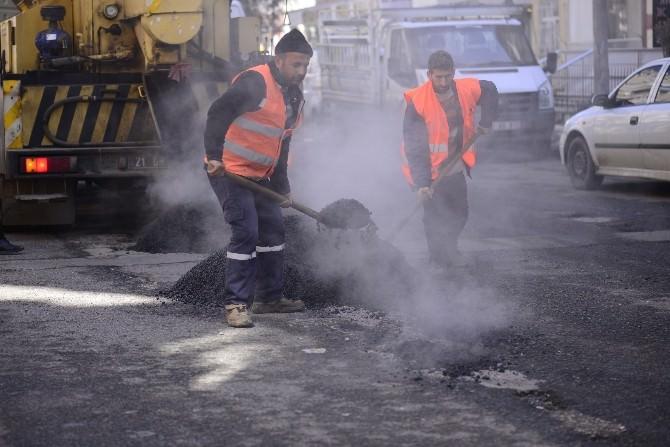 Diyarbakır'da Yolların Bakım Onarımı Sürüyor