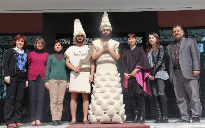 Hitit Kıyafetleri Başkent'te Görücüye Çıkıyor