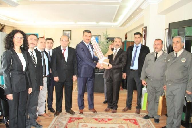 Erzincan Belediyesi 2015'te 15 Binden Fazla Fidanı Toprakla Buluşturuyor