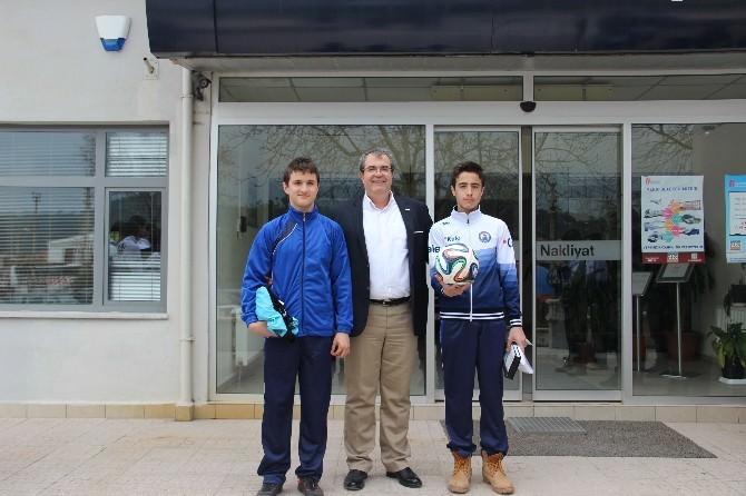 Futsal Takımından Destekçilerine Ziyaret