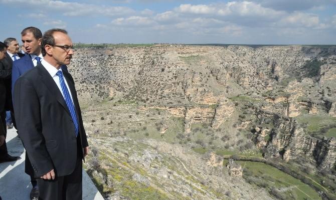 Ulubey Kanyonları Cam Teras Projesi Heyecanlandırıyor