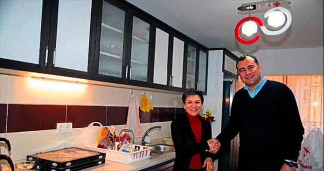 Taşdelen'den vatandaşın yenilenen evine ziyaret