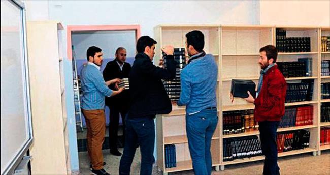 AK Parti Ankara Gençlik Kolları'ndan imam hatip lisesine kütüphane desteği