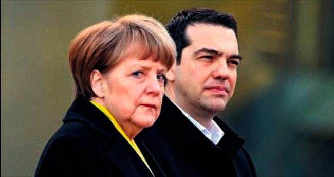 Yunanistan Euro Bölgesi'nde kaldı